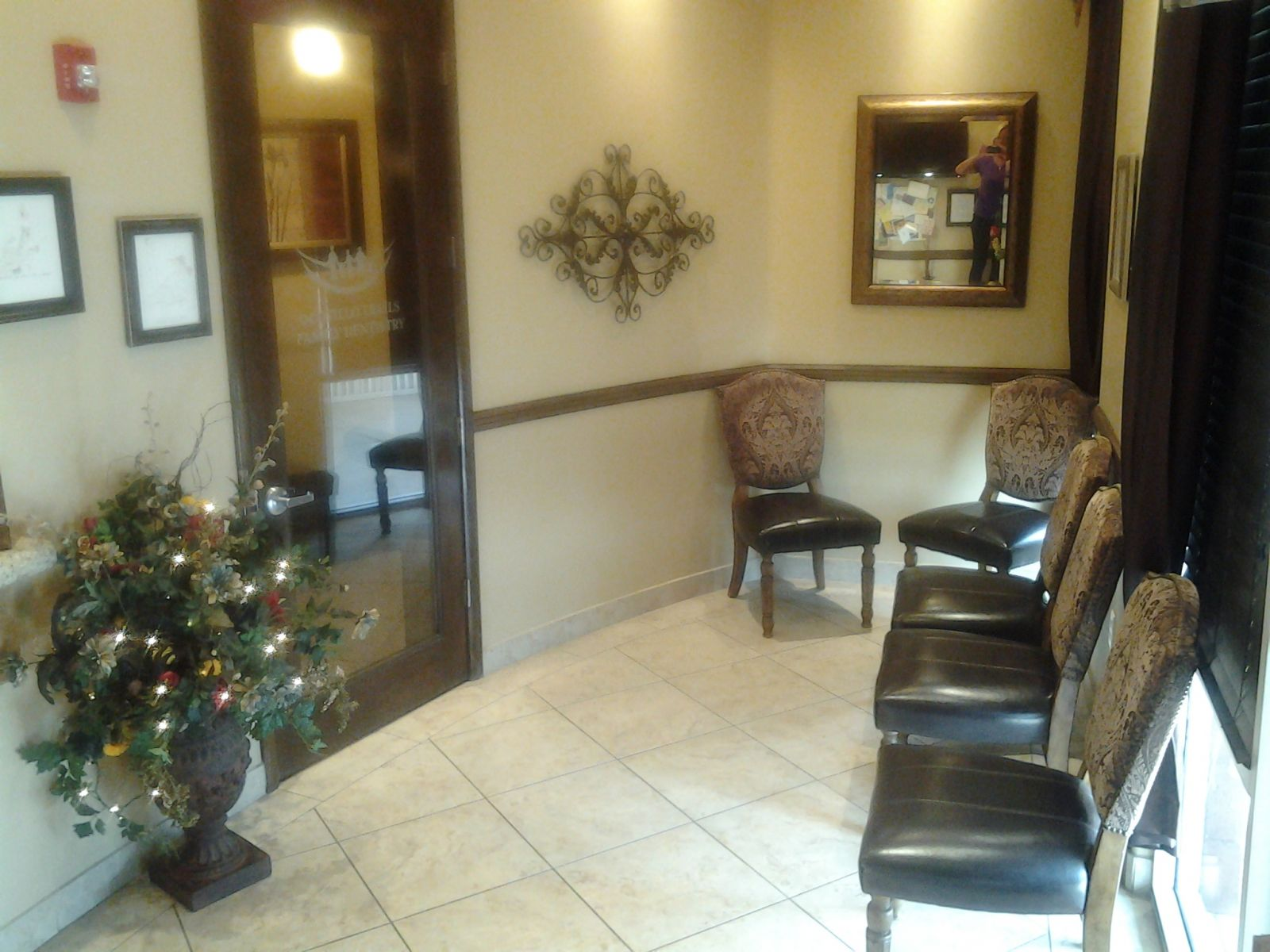 Dentist Office Seating Area San Tan Valley Queen Creek AZ